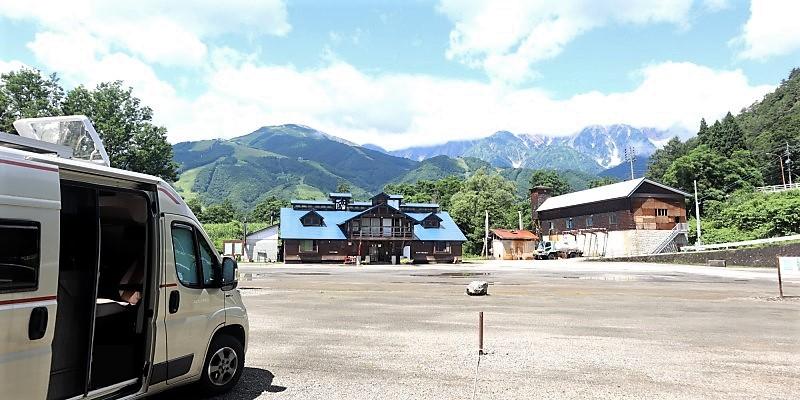 キャンピングカーで夏の長旅 くるま旅パークの風景