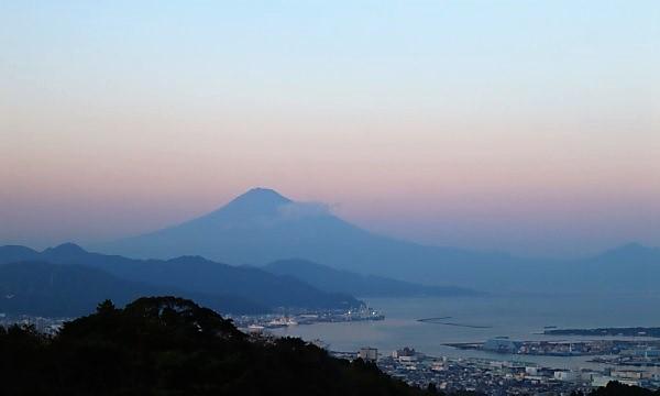 富士山遠望・静岡中部の旅2020 日本平からの夕暮れの富士